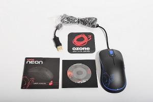 Рис. 3 Игровая компьютерная мышь Ozone Neon в комплекте