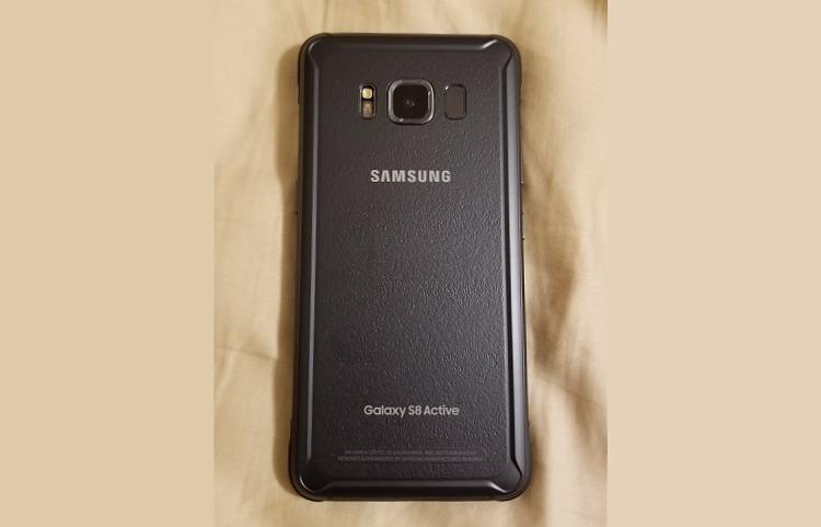 Samsung Galaxy S8 Active фото 2