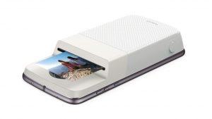 Смартфон может стать принтером для фотоснимков с помощью накладки от Polaroid