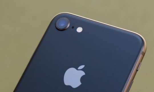 Apple iPhone 8 обзор