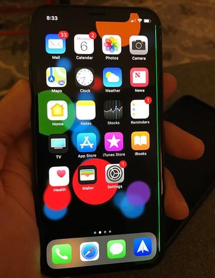iPhone X полосы зеленого цвета фото 4