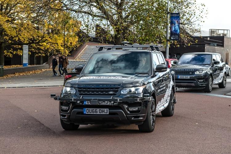 Jaguar Land Rover фото 4