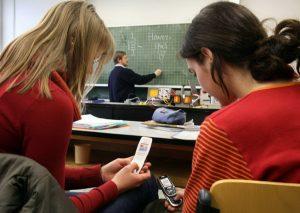 запрет на пользование мобильными телефонами в школе