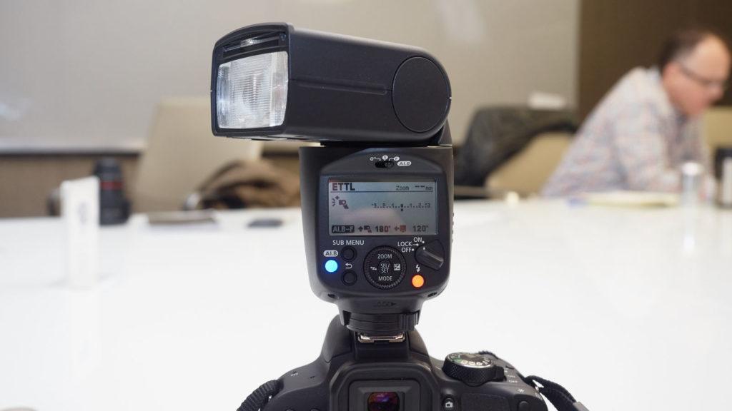 Canon вспышка с поддержкой искусственного интеллекта фото 2