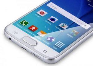 Samsung смартфон с необычным дисплеем фото 1